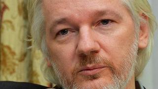 Assange: manterrò la promessa di consegnarmi agli Usa