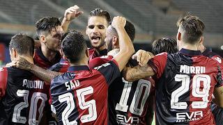 Il Cagliari piega la Samp 2-1