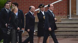 """Hollande va a Calais """"Londra faccia la sua parte"""""""