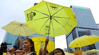 Hong Kong: in carcere tre leader del 'movimento degli ombrelli'