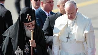 Papa Francesco è in Georgia 'Basta devastazione in Siria e Iraq'