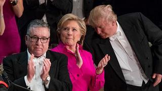 Trump, insulti a gala preelettorale dal '60 mai un confronto così duro