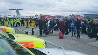 L'allarme chimico al London City Airport: era gas lacrimogeno