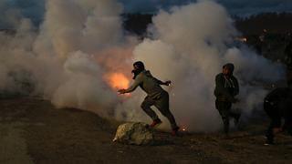 Migranti, nella giungla di Calais è cominciata la battaglia