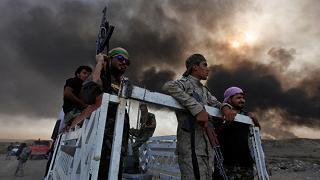 La battaglia per Mosul L'Isis brucia i pozzi di petrolio