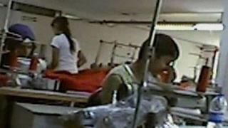Bbc: piccoli profughi siriani al lavoro in fabbriche turche