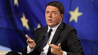 Migranti, Renzi: o l'Ue ci aiuta o nel 2017 veto sul bilancio
