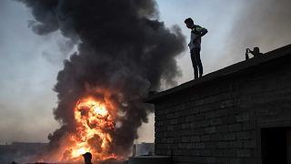 Bombe sul mercato, strage di civili Decine di morti, molti sono bambini