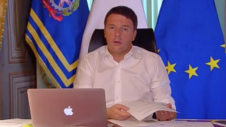 """Renzi: """"Io killer? Grillo è in difficoltà e vuol nascondere le firme false"""""""