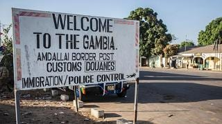 Truppe Senegal entrano in Gambia appoggiano il nuovo presidente