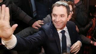 """Sorpresa Hamon che sfiderà Valls  """"Ora in Francia si volti pagina"""""""