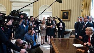 """Politici e 007 """"arruolati"""" da Trump per smontare il Russia-Gate"""