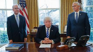 Trump ritira riforma che abolisce Obamacare. Non aveva i voti