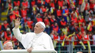 Bagno di folla per il Papa a Monza A San Siro monito contro bullismo