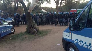 No Tap: continuano le proteste La polizia allontana i manifestanti