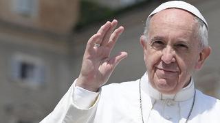 Durante il suo viaggio in Egitto il Papa non userà auto blindate