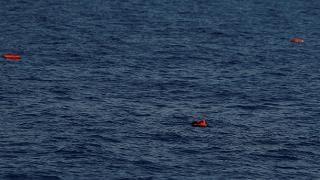Migranti, Ong recuperano 5 cadaveri al largo della Libia