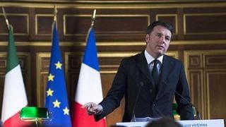 """Renzi: """"insegna che si vince al centro"""". I sondaggi lo danno al 60%"""