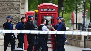 Londra, arrestato un uomo armato La polizia: preparava attentati