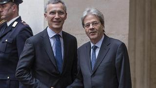 """Gentiloni riceve Stoltenberg """"Italia a testa alta nella Nato"""""""
