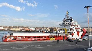 A Napoli la nave di Medici Senza Frontiere con 1500 persone