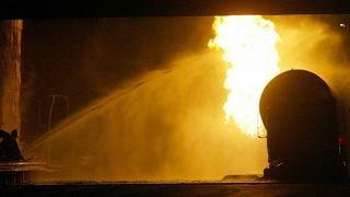 In fiamme un'autobotte: 141 morti