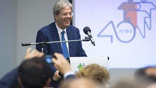"""Gentiloni: Europa non ci dia lezioni Orban: """"L'Italia chiuda i suoi porti"""""""
