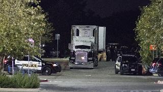 Il dramma della migrazione illegale 10 morti abbandonati in un camion