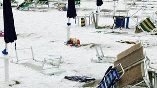 """Grandinata a San Benedetto  del Tronto: spiaggia 'imbiancata"""""""
