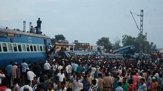 Deraglia treno in Uttar Pradesh: almeno 24 morti e 156 feriti