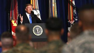 """Trump cambia idea: """"Non lasceremo  l'Afghanistan all'Isis e ai Talebani"""""""