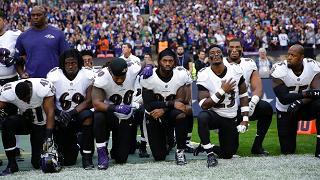 Polemica fra Trump e le star NFL inginocchiate durante l'inno