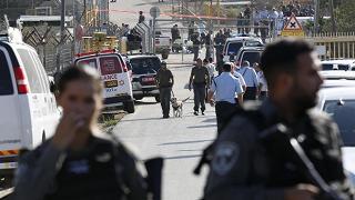 Palestinese apre il fuoco su forze di sicurezza israeliane: 3 morti
