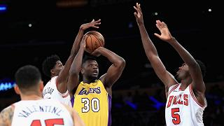 I Lakers battono i Bulls in rimonta