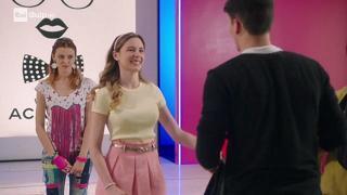 Maggie Bianca Fashion Friends Ottimismo In Prestito Video