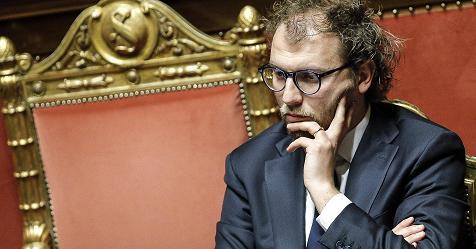 Consip, il Ministro Luca Lotti ascoltato in un luogo riservato, lontano dal Palazzo di Giustizia – Rai News