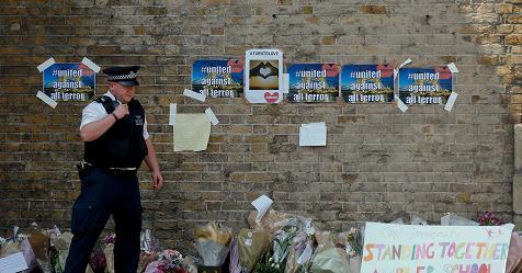 Londra, furgone travolge fedeli musulmani davanti a Moschea di Finsbury Park. Polizia: E' terrorismo – Rai News