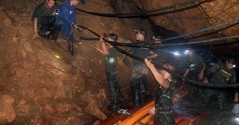 Thailandia, trovati vivi i ragazzi intrappolati nella grotta – Rai News