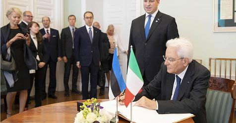 Migranti, Mattarella: non cedere all'emotività – Rai News