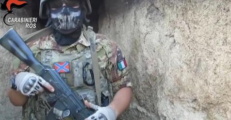 Ucraina, skinhead italiani reclutavano mercenari: 6 arresti – Rai News