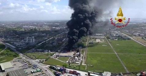 Marghera, incendio in una ditta di prodotti chimici: due feriti