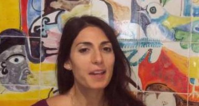 Virginia Raggi arriva a Palermo subito vertice con Beppe Grillo