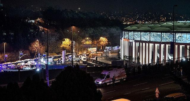 Autobomba vicino allo stadio uccisi 15 poliziotti a Istanbul