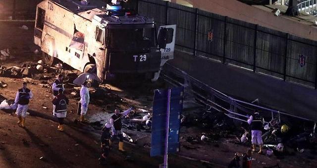 Bombe contro la polizia allo stadio Terrore a Istanbul: 29 morti e 166 feriti
