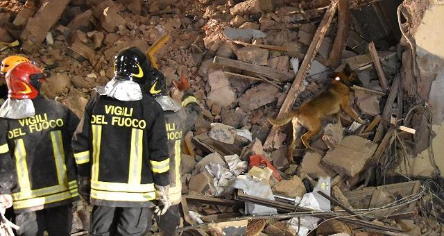 Un boato squarcia la notte di Catania crolla un intero palazzo in Via Crispi