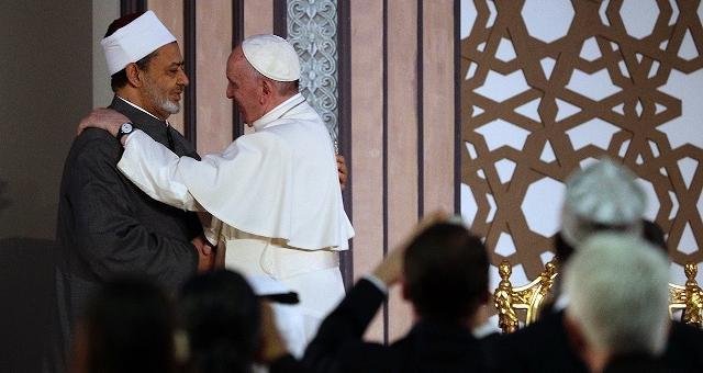 """Papa Francesco in Egitto  """"Violenza nega ogni vera religione"""""""