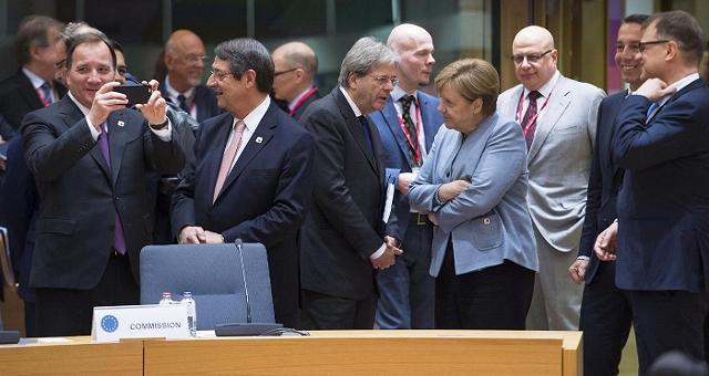 Ue, accordo tra i 27 sul negoziato con Londra per la Brexit