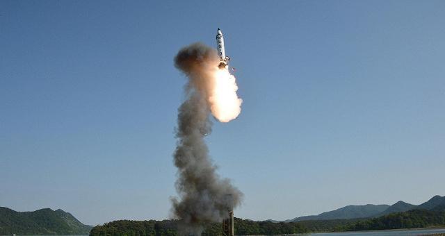 Corea del Nord, ancora una sfida missile Scud nel Mar del Giappone