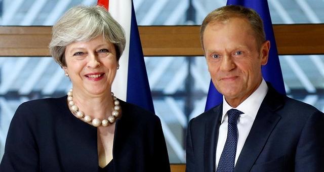 """Brexit, May: """"Nessun cittadino della Ue dovrà andarsene"""""""