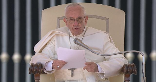 """Papa Francesco: """"Sul problema della pedofilia la Chiesa è arrivata tardi"""""""